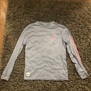 light blue vineyard vines performance longsleeve
